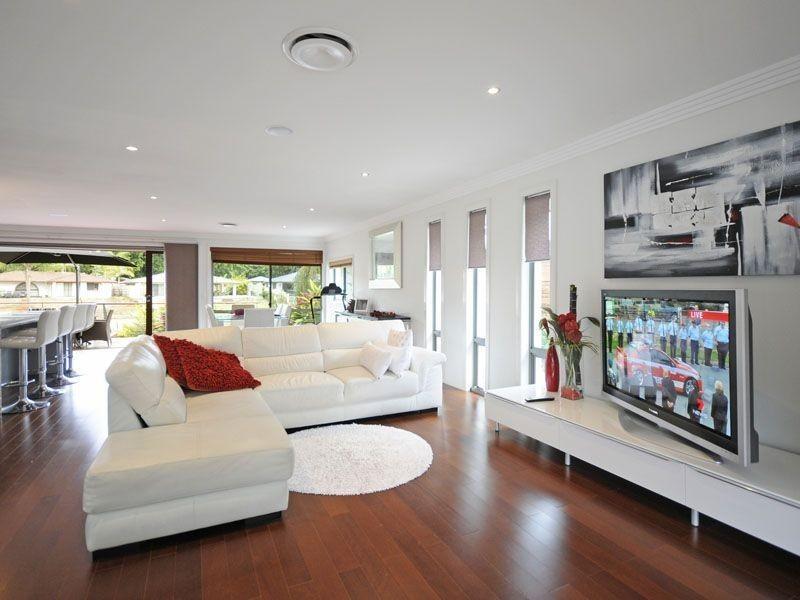 4 Huon Street, Broadbeach Waters QLD 4218