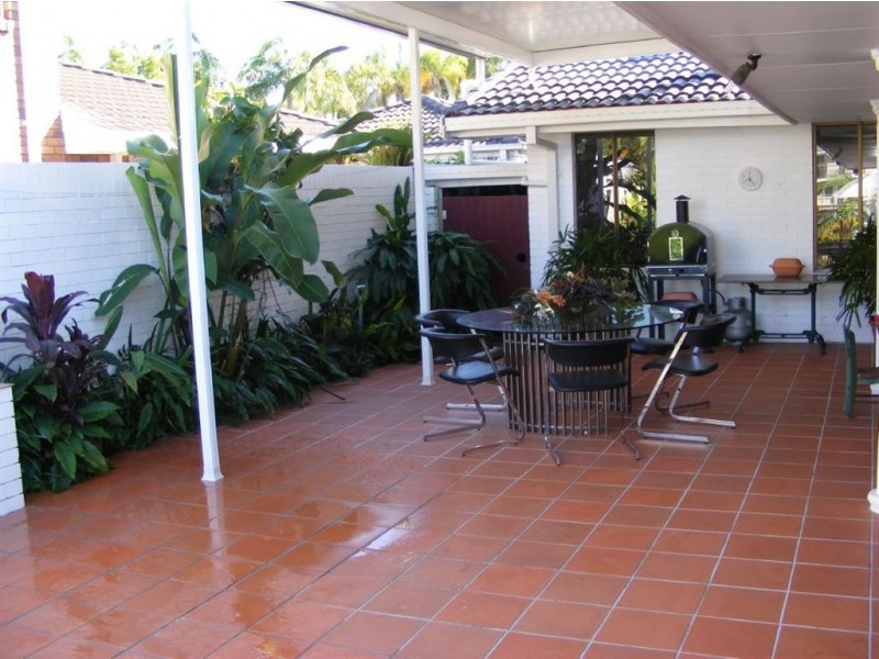 30 Namatjira Court, Broadbeach Waters QLD 4218