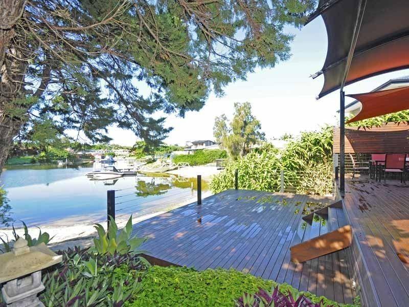31 River Crescent, Broadbeach Waters QLD 4218