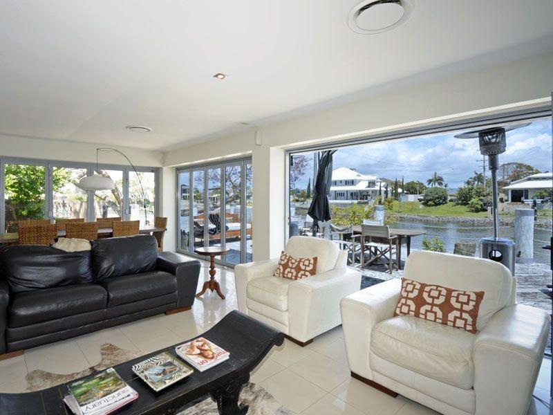 41 Allambi Avenue, Broadbeach Waters QLD 4218