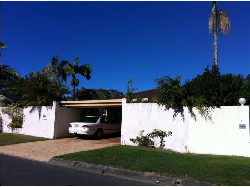 4 Coobowie Street, Broadbeach Waters QLD 4218