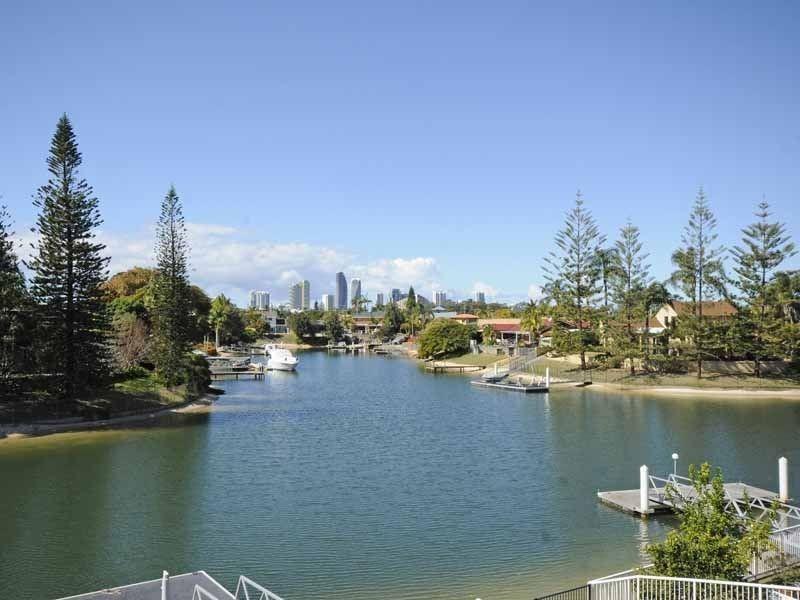 41 Sophie Avenue, Broadbeach Waters QLD 4218