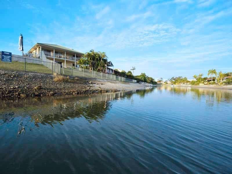 30 Bombala Street, Broadbeach Waters QLD 4218