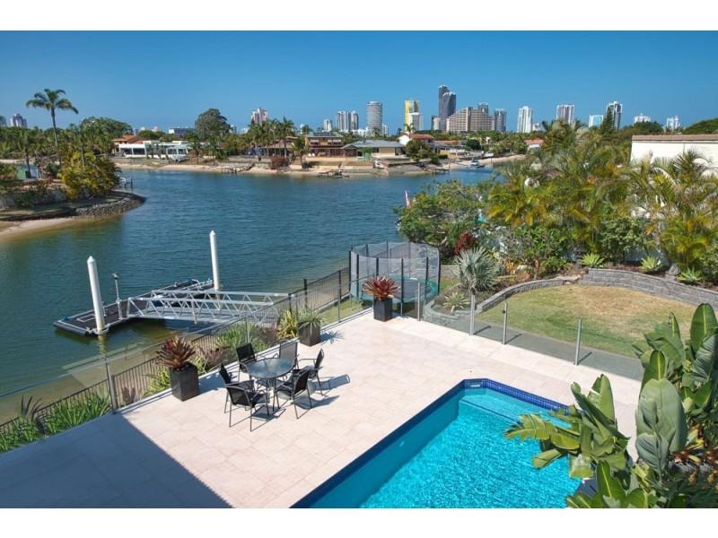 10 Seaforth Ave, Broadbeach Waters QLD 4218