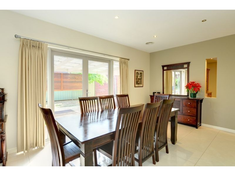 80 Faversham Avenue, Lake Gardens VIC 3355