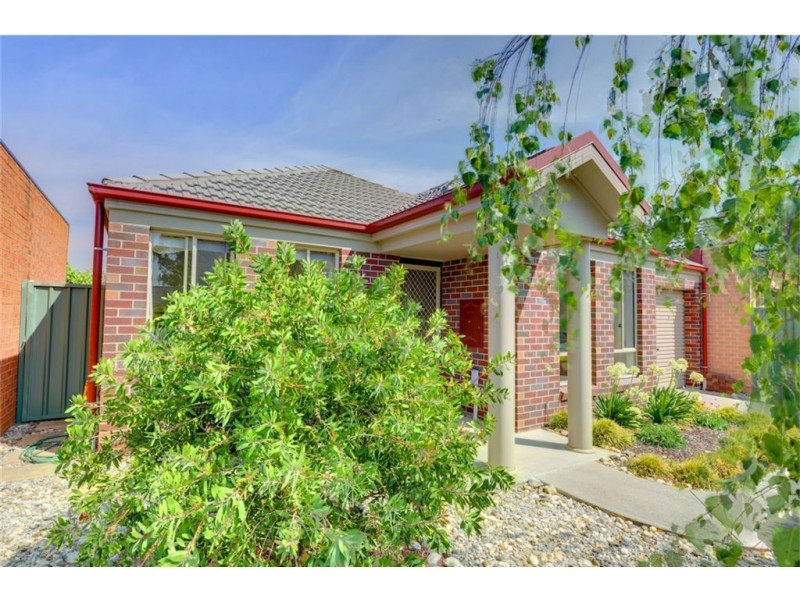 9 Parbury Avenue, Lake Gardens VIC 3355
