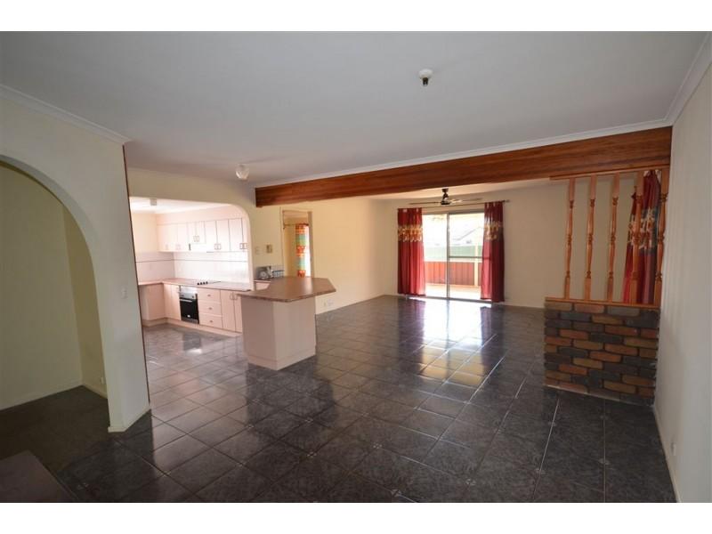 9 Marowin Place, Wauchope NSW 2446