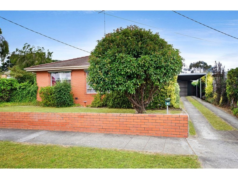 1 Young Street, Breakwater VIC 3219