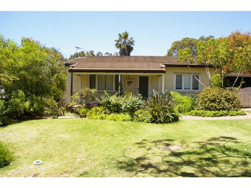14 Elphick Street, Bluff Point WA 6530
