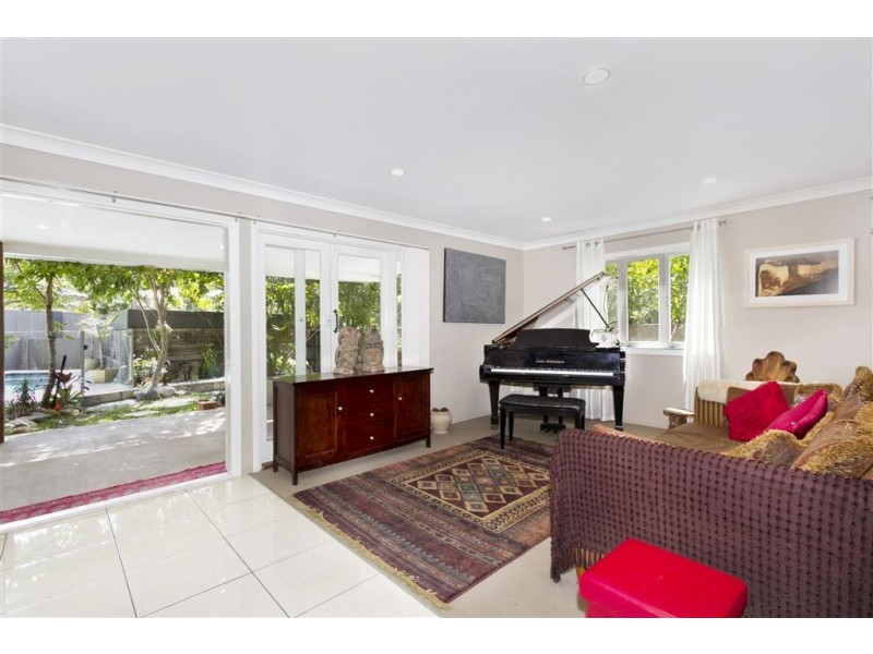 22 Warburton Street, Bardon QLD 4065