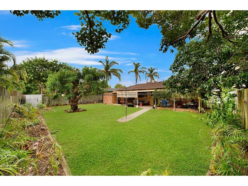3 Rotorua Place, Clear Island Waters QLD 4226
