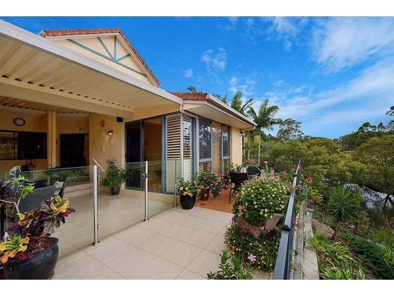 125 Santa Cruz Boulevard, Clear Island Waters QLD 4226