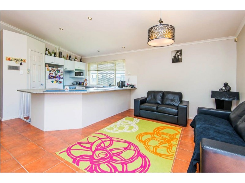 11 Kirdford Court, Arundel QLD 4214
