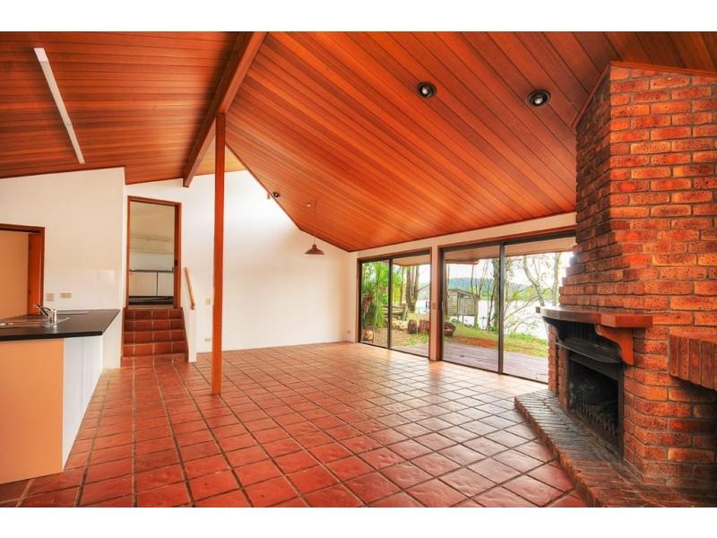 402 Tamborine-Oxenford Road, Upper Coomera QLD 4209