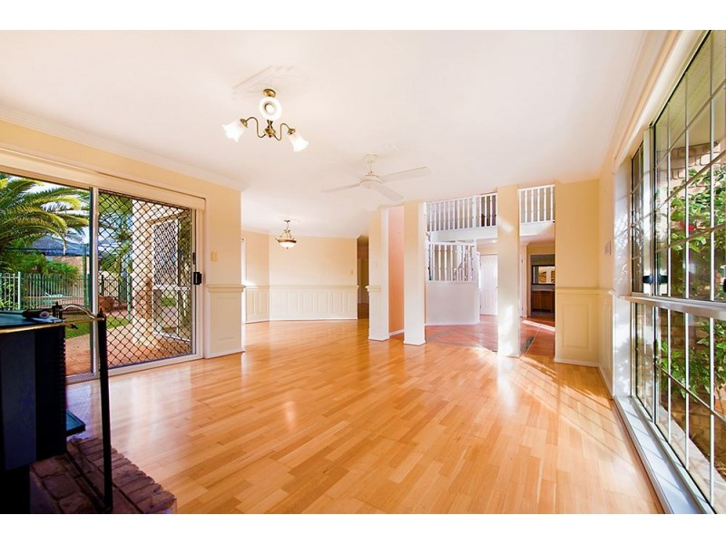 3 Cedros Place, Clear Island Waters QLD 4226