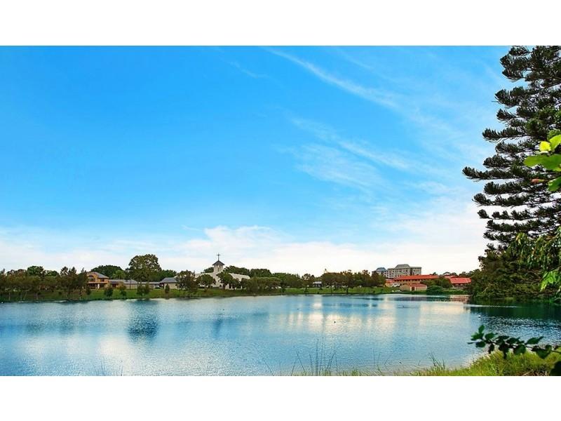 54/7-9 Santa Cruz Boulevard, Clear Island Waters QLD 4226