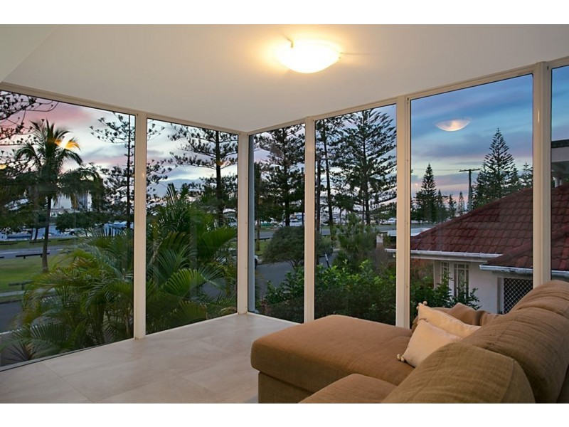51 Rankin Parade, Main Beach QLD 4217