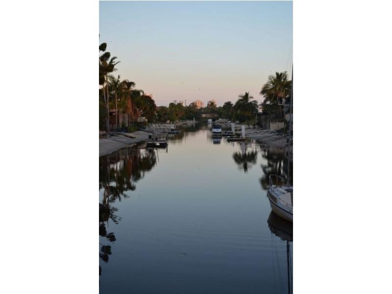 160 Monaco Street, Broadbeach Waters QLD 4218