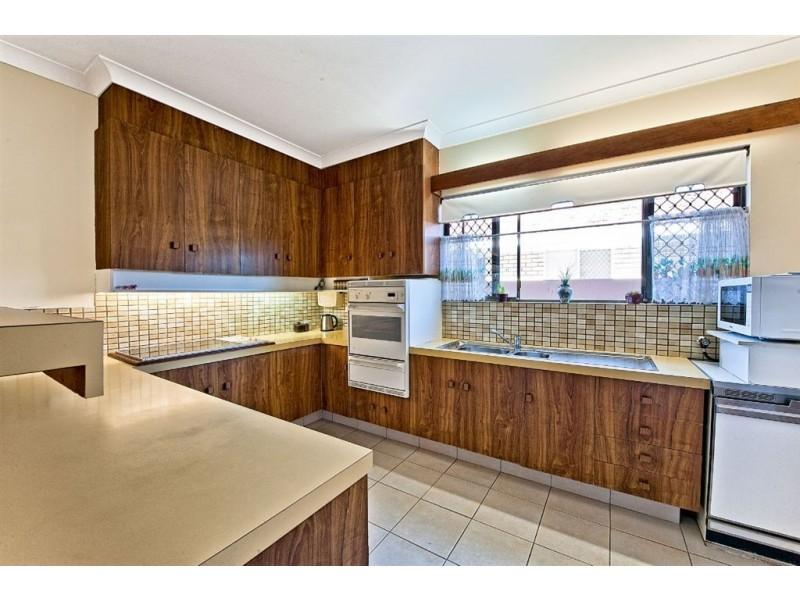 8 Rio Vista Blvd, Broadbeach Waters QLD 4218