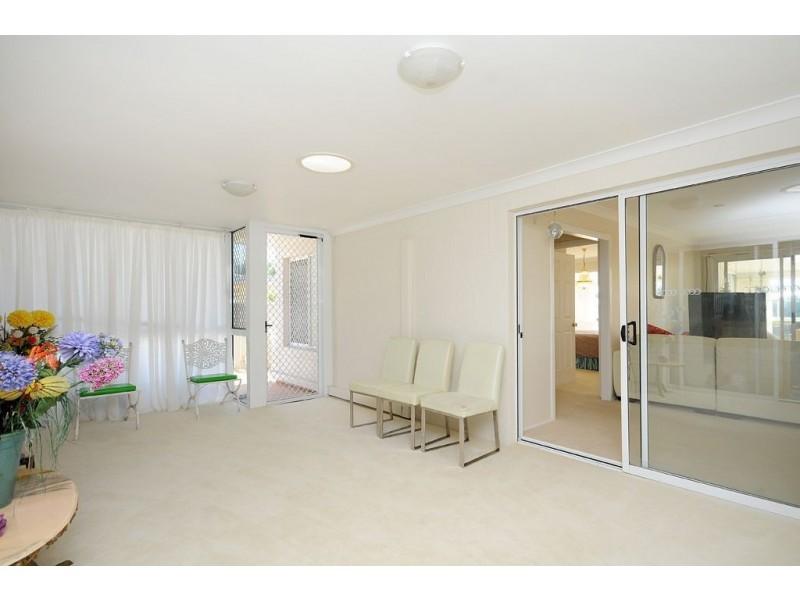 11 Villa Court, Broadbeach Waters QLD 4218