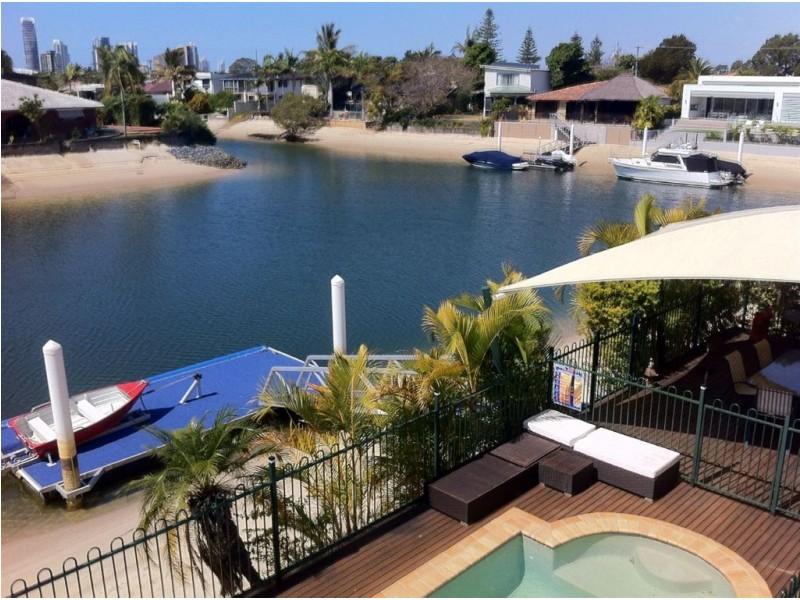 17 Monte Vista Ct, Broadbeach Waters QLD 4218