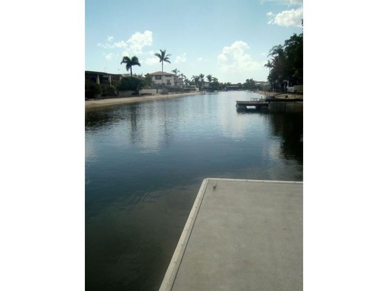 4 Carmel Court, Broadbeach Waters QLD 4218