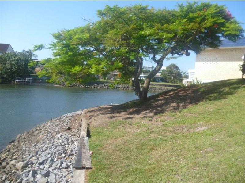 13 Lotus Key, Broadbeach Waters QLD 4218