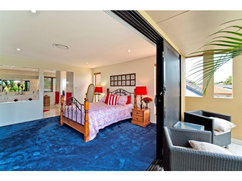 20 Namatjira Court, Broadbeach Waters QLD 4218