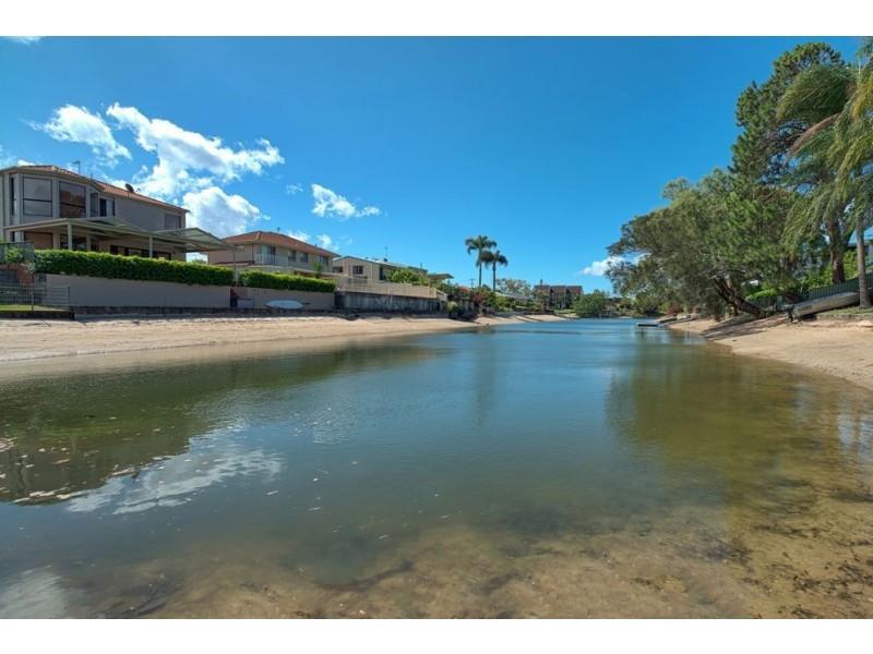 9 Merrimac Boulevard, Broadbeach Waters QLD 4218