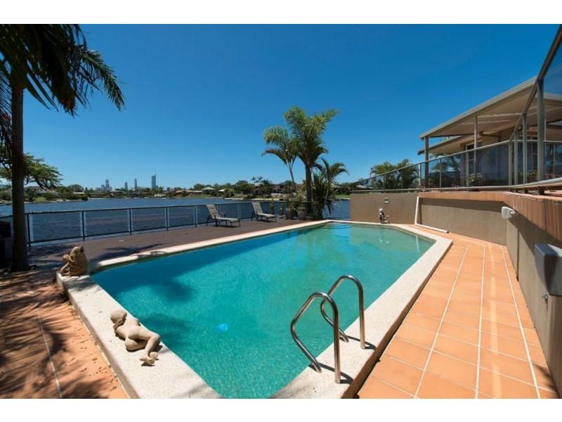 16 Yunga Court, Broadbeach Waters QLD 4218