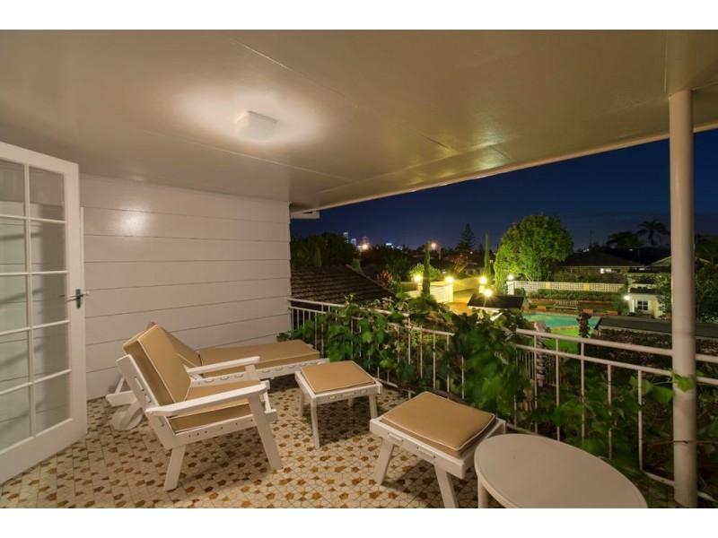 83 Monaco Street, Broadbeach Waters QLD 4218