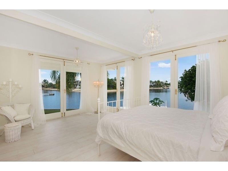 142 Monaco Street, Broadbeach Waters QLD 4218