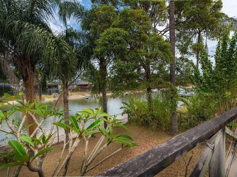 8 Namatjira Court, Broadbeach Waters QLD 4218
