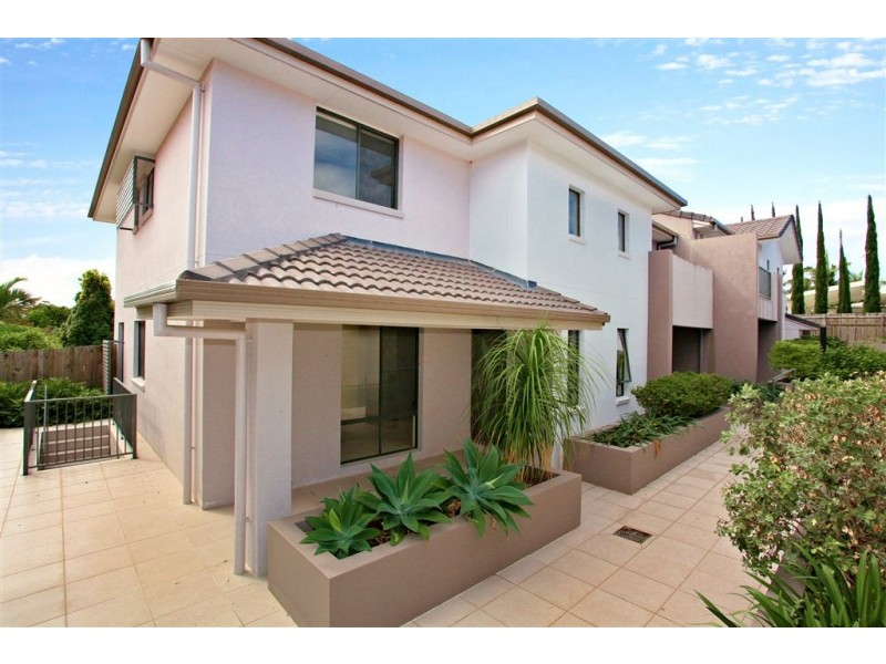 8/139 Cotlew Street, Ashmore QLD 4214
