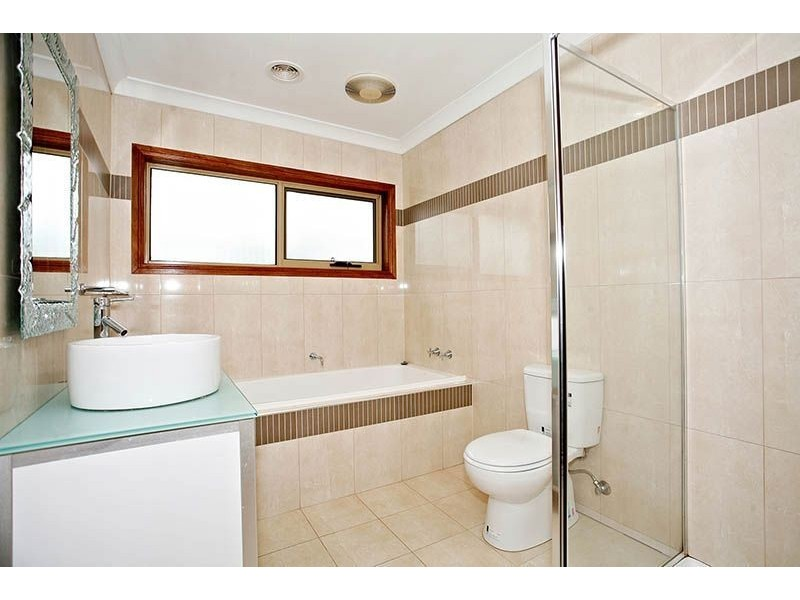 106 Royal Terrace, Craigieburn VIC 3064
