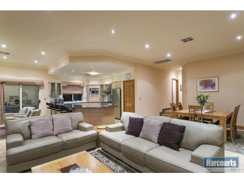 16 Balboa Drive, Hallett Cove SA 5158