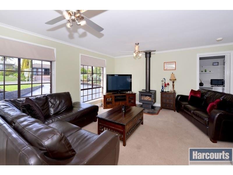 15 Glenway Road, Hallett Cove SA 5158