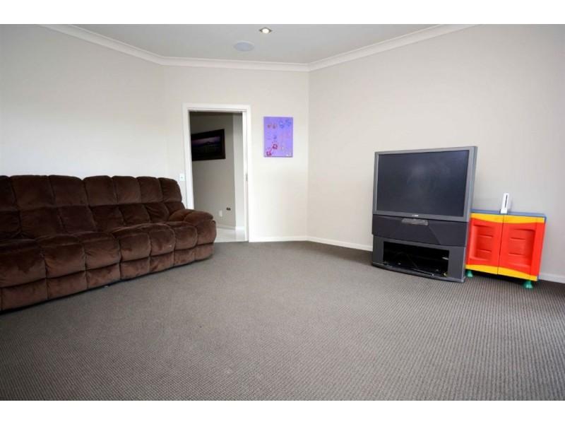 39 Kingfisher Court, East Albury NSW 2640