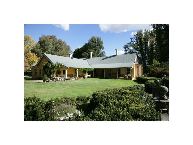 """Mona"" 140 Little River Road, Braidwood NSW 2622"