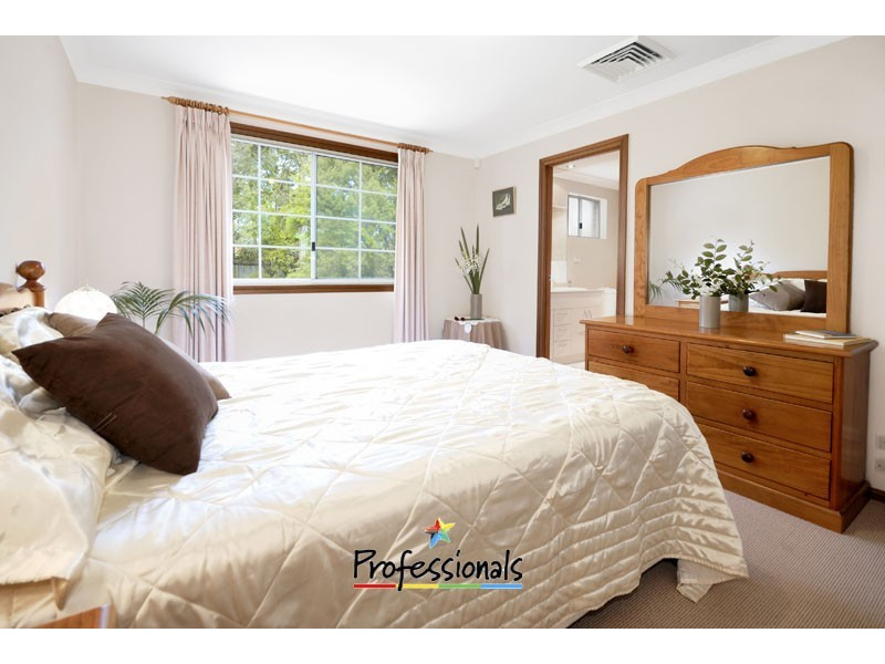 6 Scribbly gum Place, Alfords Point NSW 2234
