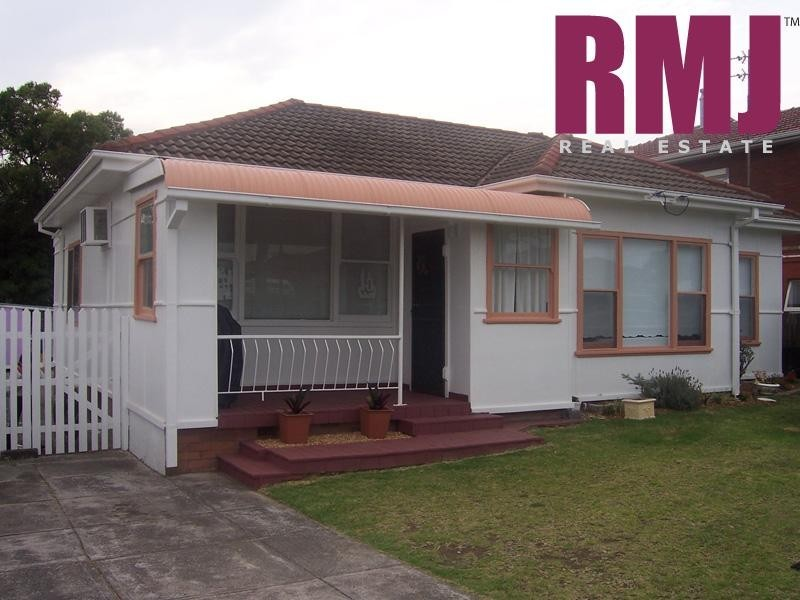 Shellharbour Road, Barrack Heights NSW 2528