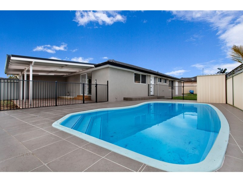 8 Lachlan Avenue, Barrack Heights NSW 2528