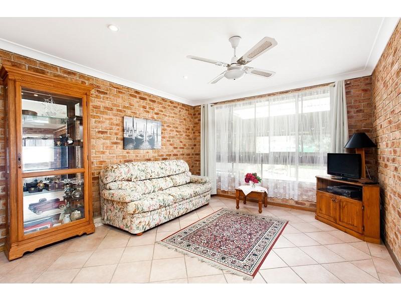 2 Lobelia Street, Albion Park Rail NSW 2527