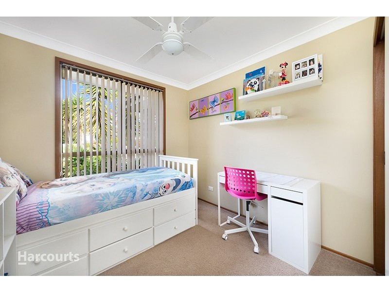 8 Churnwood Place, Albion Park Rail NSW 2527