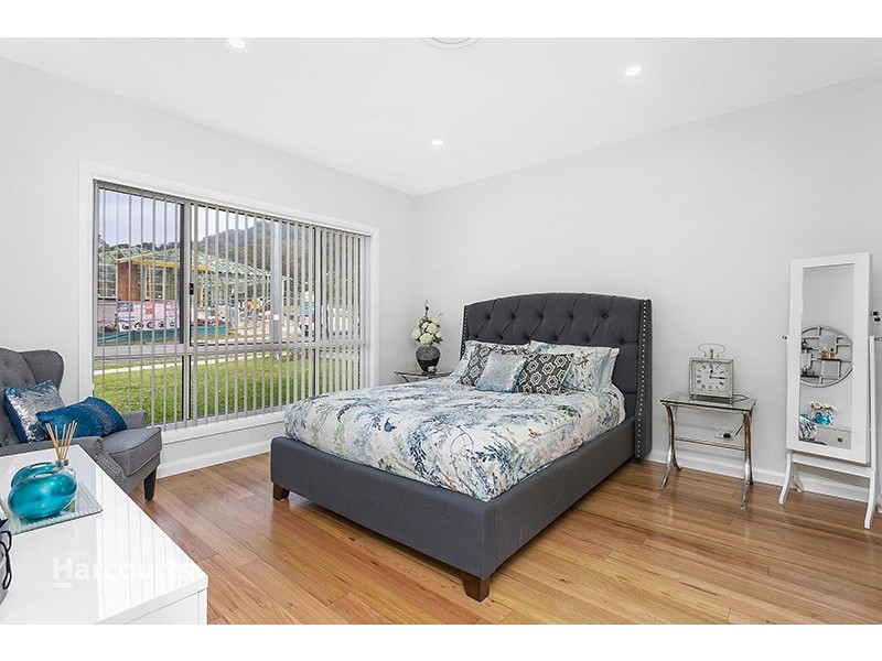 26 Holroyd Street, Albion Park NSW 2527