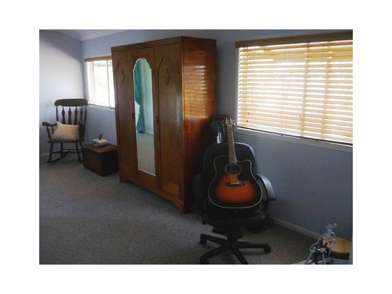 84 Yew Street, Barcaldine QLD 4725