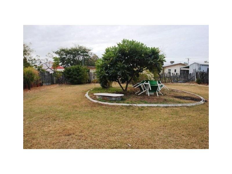 16 Poplar Street, Barcaldine QLD 4725