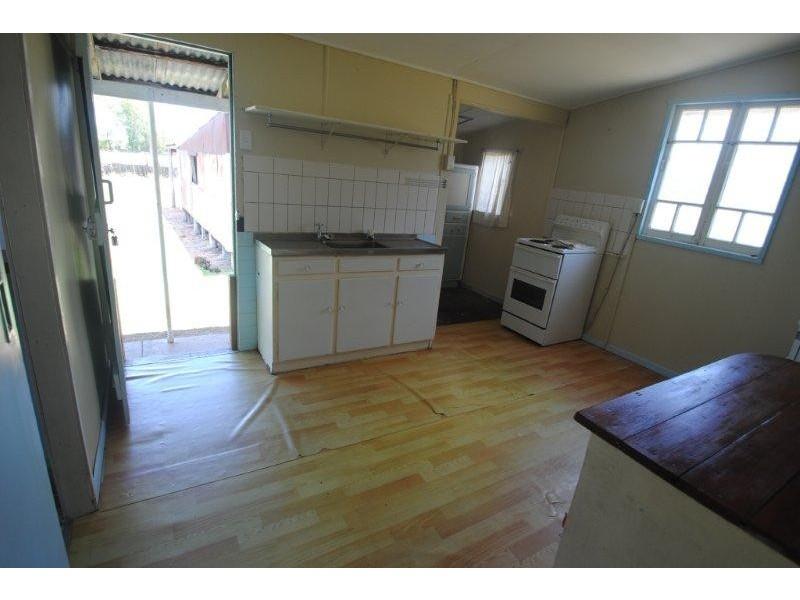144 Fir Street, Barcaldine QLD 4725