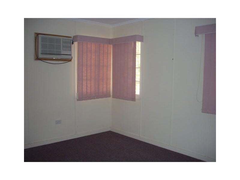 99 Gidyea Street, Barcaldine QLD 4725