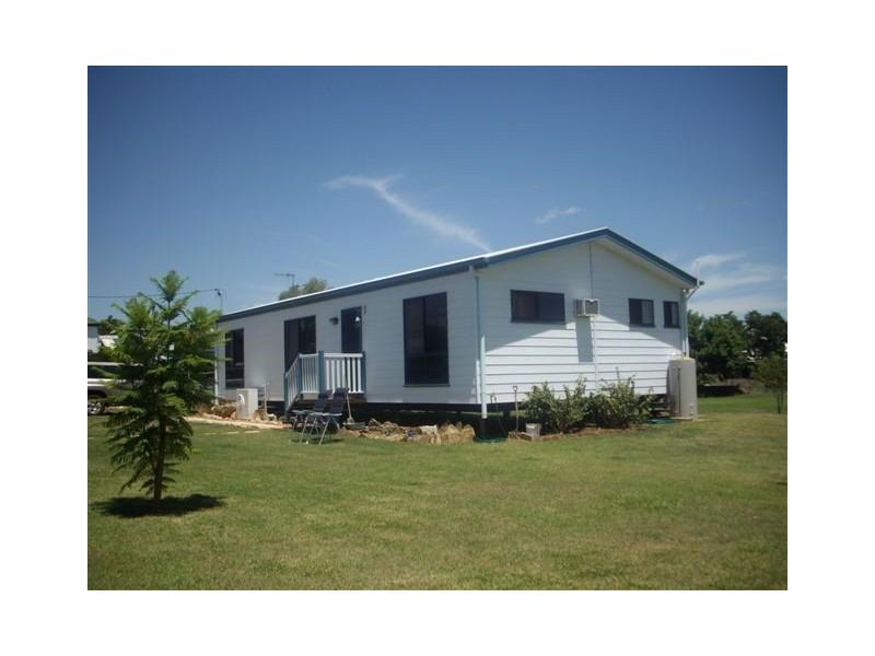 11 Chestnut, Barcaldine QLD 4725
